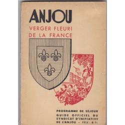 Anjou, verger fleuri de la...
