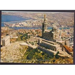 Marseille, vue aérienne de...