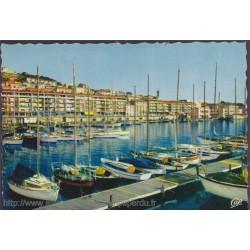 Sète, le port des yachts -...