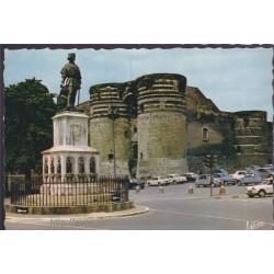 Angers, la statue du Roi...