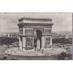 Paris, l'Arc de Triomphe -...